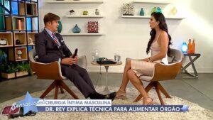 Dr. Rey chocou Daniela Albuquerque com dicas de aumento peniano (foto: Reprodução/RedeTV!)