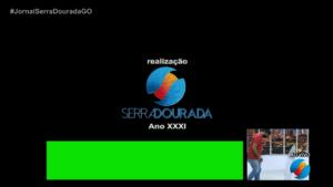 TV Serra Dourada, afiliada do SBT, vaza funcionário desmontando cenário (foto: Reprodução)