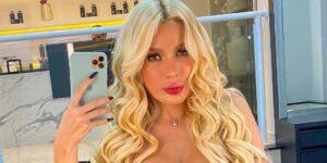 Karoline Lima disse nunca ter escondido que fez uma lipoaspiração (foto: Reprodução)