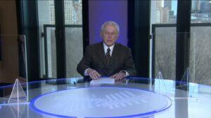 Lucas Mendes é o apresentador do Manhattan Connection: programa custa mais de R$ 1 milhão por ano (foto: Reprodução/TV Cultura)