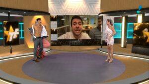 Júlio Rocha fez striptease para tentar subir audiência do TV Fama (foto: Reprodução/RedeTV!)