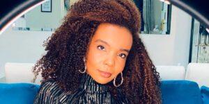 Thelma Assis comentou sobre o episódio racista no BBB 21 e revelou que já sofreu por causa de seu cabelo (foto: Reprodução/Redes Sociais)