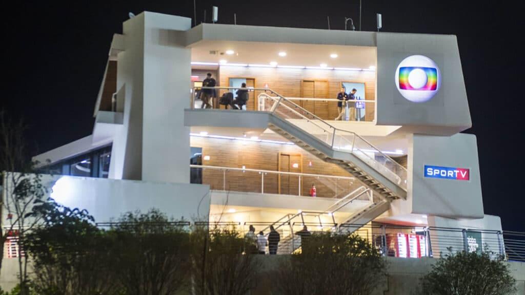 Estúdio da Globo para os Jogos Olímpicos e Paralímpicos de 2016 no Rio de Janeiro; a emissora desistiu de montar estrutura em Tóquio por conta da crise sanitária (foto: Reprodução)