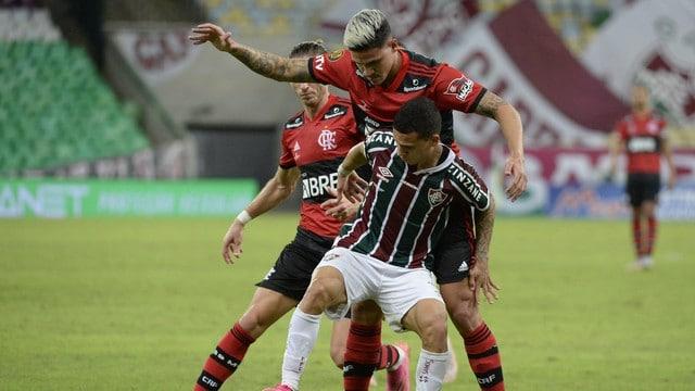 Record transmitiu a primeira partida da final do Campeonato Carioca entre Fluminense e Flamengo (foto: André Durão)