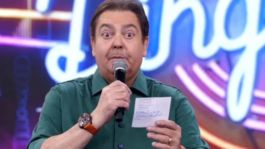 Faustão causou irritação na direção da Globo ao assinar com a Band com antecedência (foto: Reprodução)