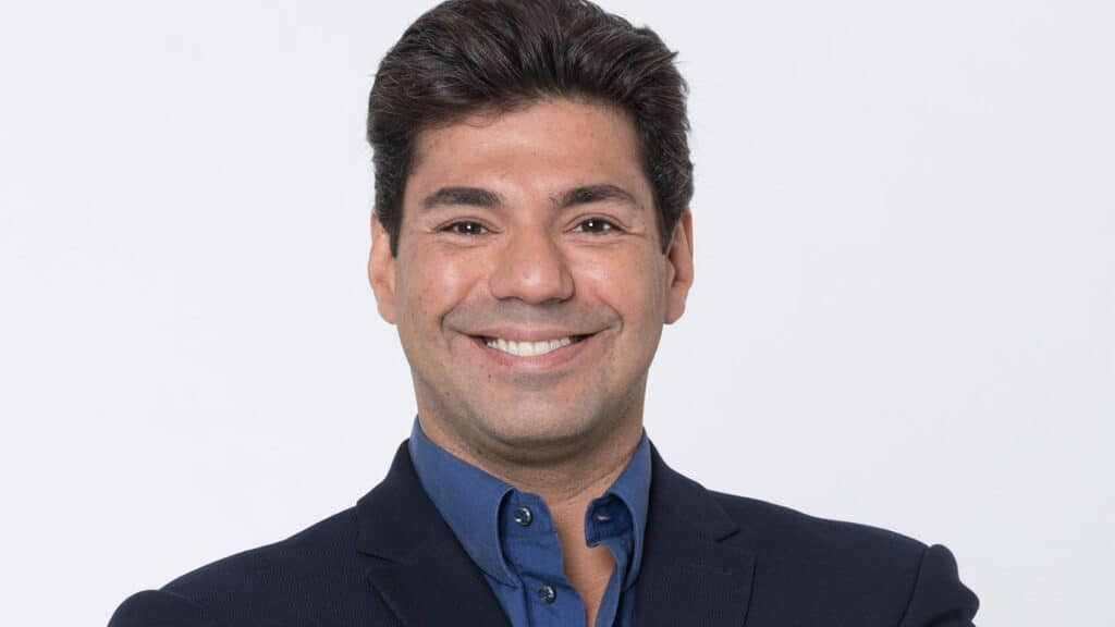 Felipe Bronze apresentará a terceira temporada de Top Chef na Record (foto: Antonio Chahestian/Record)