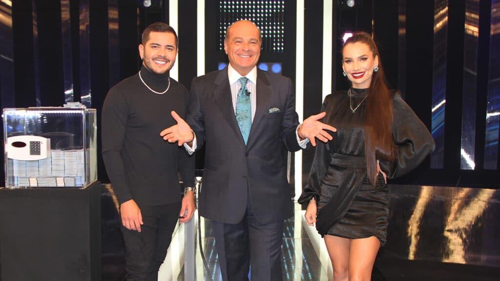 MC Matheuzinho, Marcelo de Carvalho e Stéfani Bays (foto: Divulgação/RedeTV!)