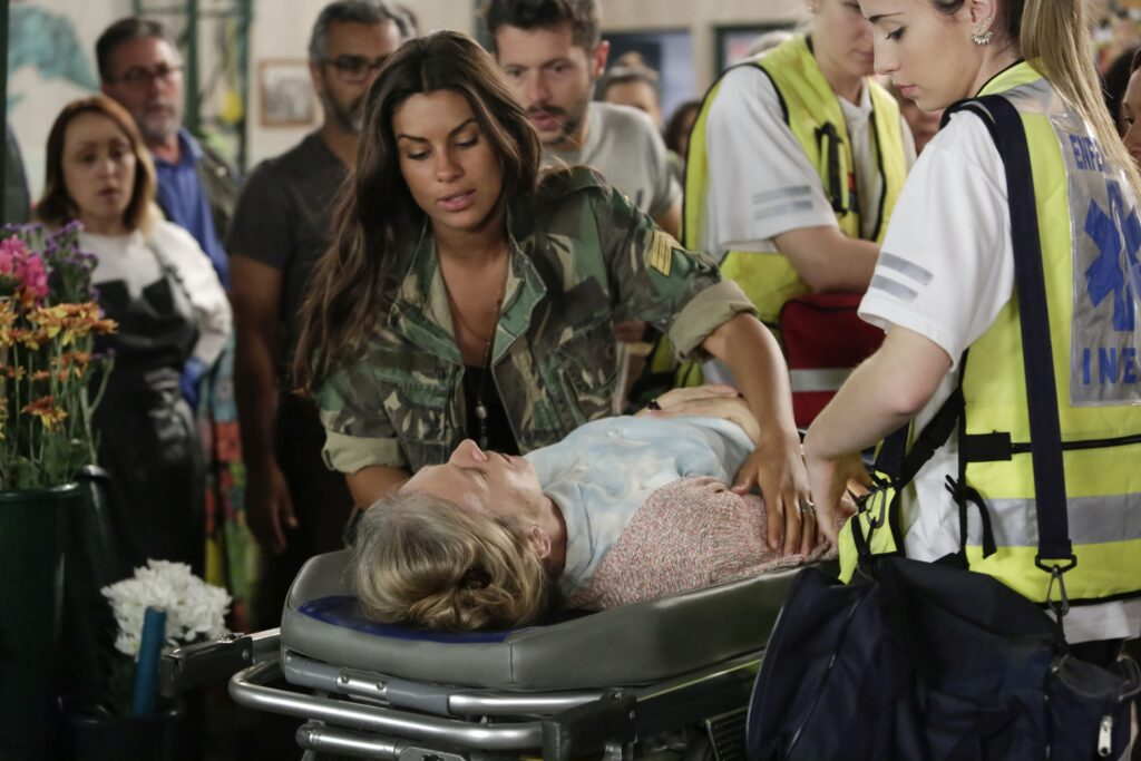 Nazaré é protagonizada por Carolina Loureiro, namorada do cantor brasileiro Vitor Kley (foto: Ana Bento/SIC)