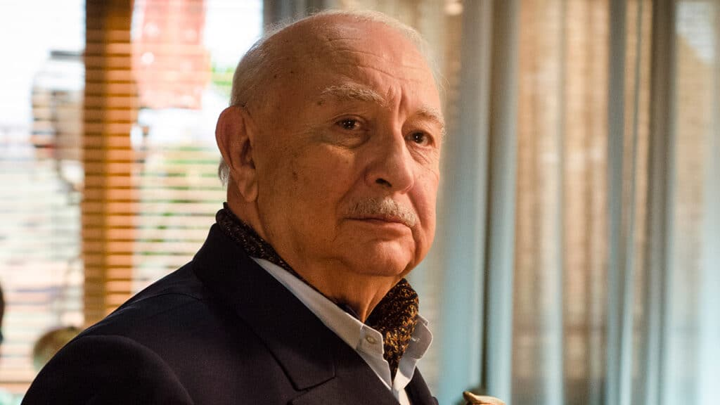 O ator Sérgio Mamberti como Dionísio na novela Flor do Caribe, reprisada recentemente pela Globo (foto: Globo/Raphael Dias)