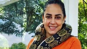 Silvia Abravanel tem uma cobra jiboia como filha (foto: Reprodução/Instagram)
