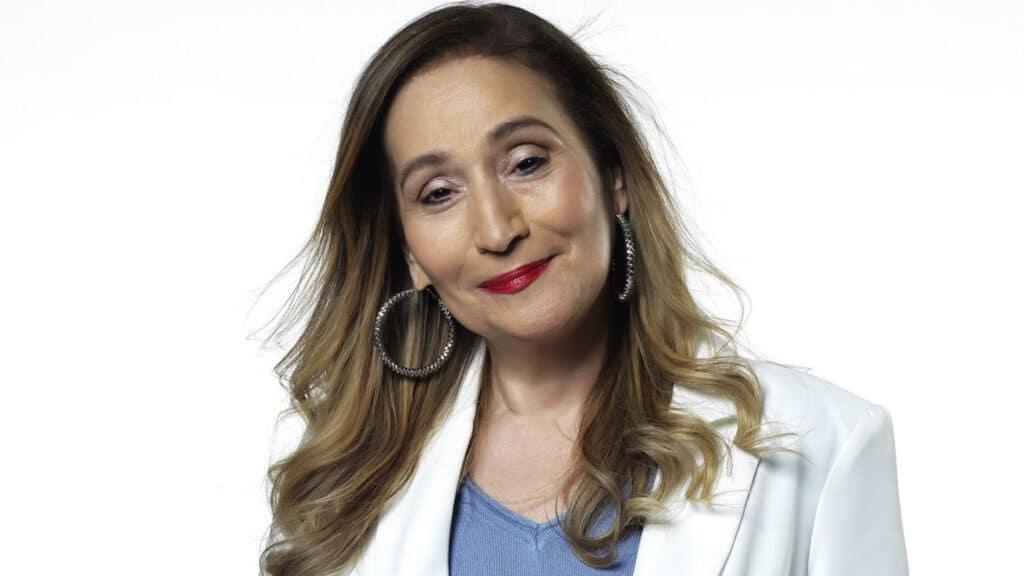 Sonia Abrão renovou com a RedeTV! até 2025 (foto: Divulgação/RedeTV!)