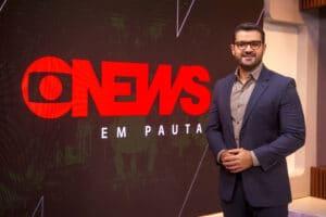 Marcelo Cosme revelou como Paulo Gustavo o ajudou a se assumir gay para a família (foto: Globo/João Cotta)