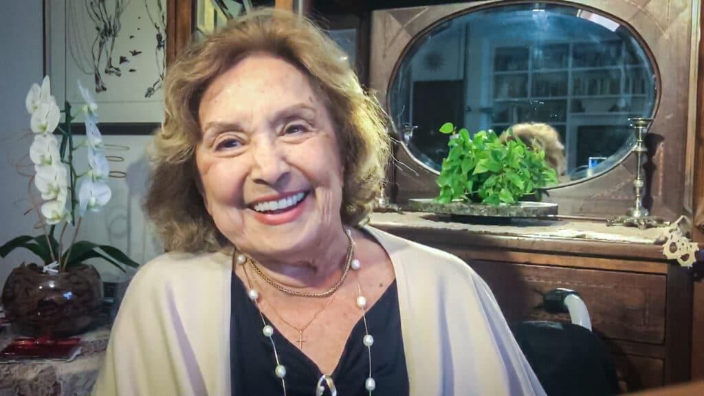 Eva Wilma foi diagnosticada com câncer no ovário (foto: Globo/Divulgação)