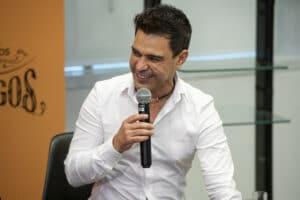 Zezé Di Camargo passou por cateterismo e não fez implante de stent (foto: Globo/Fábio Rocha)