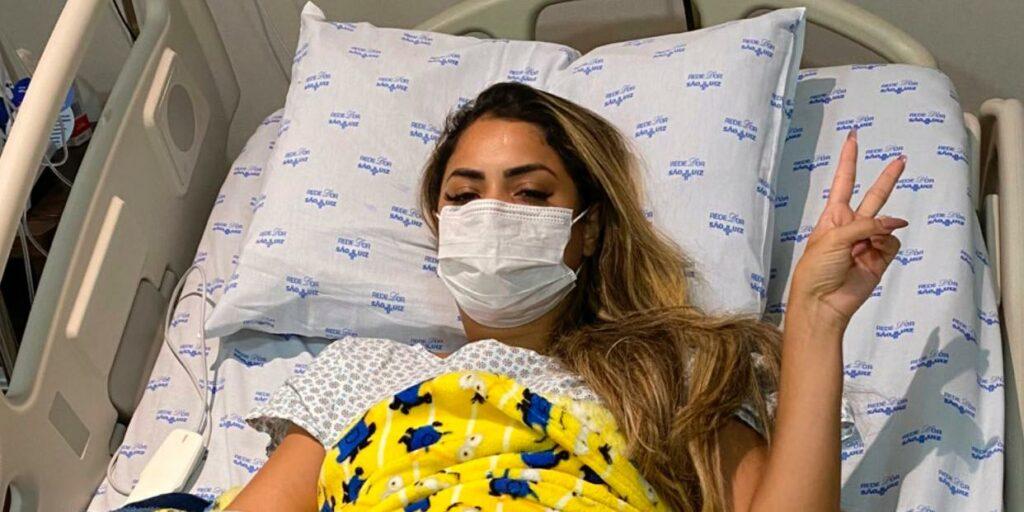 Lexa foi internada às pressas para uma cirurgia de emergência (foto: Reprodução)