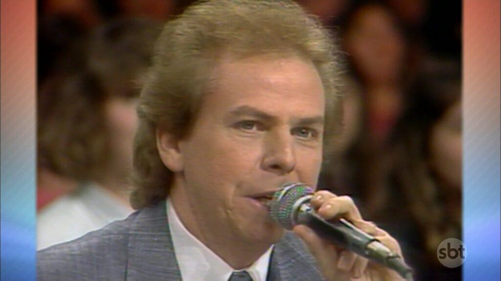 Silvio Santos reapresentou participação de Nelson Rubens no Show de Calouros em 1989 (foto: Reprodução/SBT)