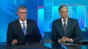 Flávio Fachel está apresentando o Jornal Nacional durante as férias de William Bonner (fotos: Reprodução/TV Globo)