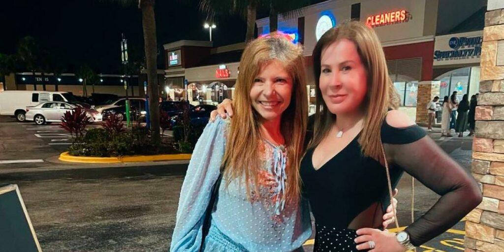 Zilu Godoi e Rose Miriam, a mãe dos filhos de Gugu, se encontram nos EUA (foto: Reprodução)