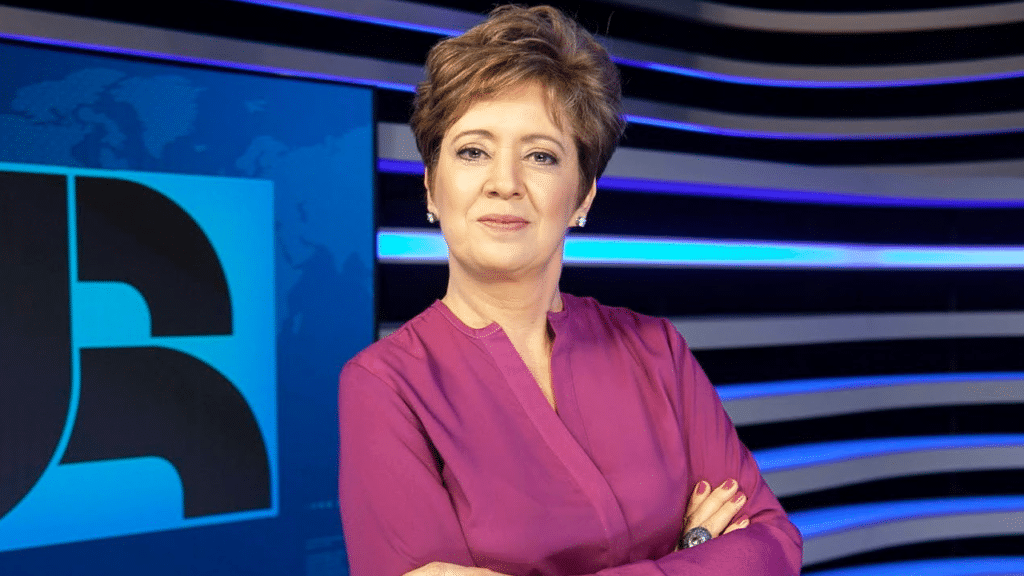 Christina Lemos, do Jornal da Record, entrou de férias (foto: Record/Edu Moraes)