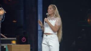 Adriane Galisteu pode ser confirmada como apresentadora de A Fazenda (foto: Record/Divulgação)