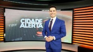 Luiz Bacci comanda o Cidade Alerta na Record; jornalístico fechou maio com recordes de audiência (foto: Record/Edu Moraes)
