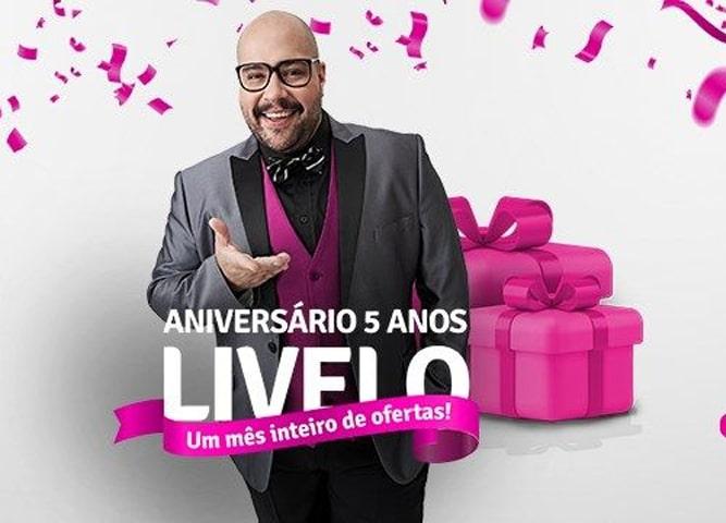 Tiago Abravanel, neto de Silvio Santos, estrela a nova campanha promocional da Livelo (foto: Divulgação)