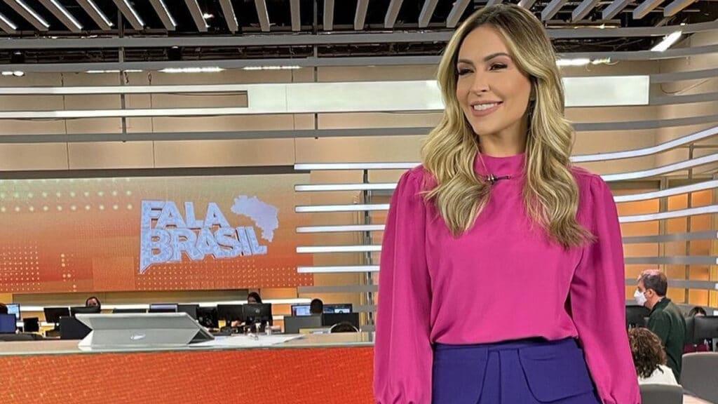Thalita Oliveira na redação de jornalismo da Record em São Paulo (foto: Reprodução/Instagram)