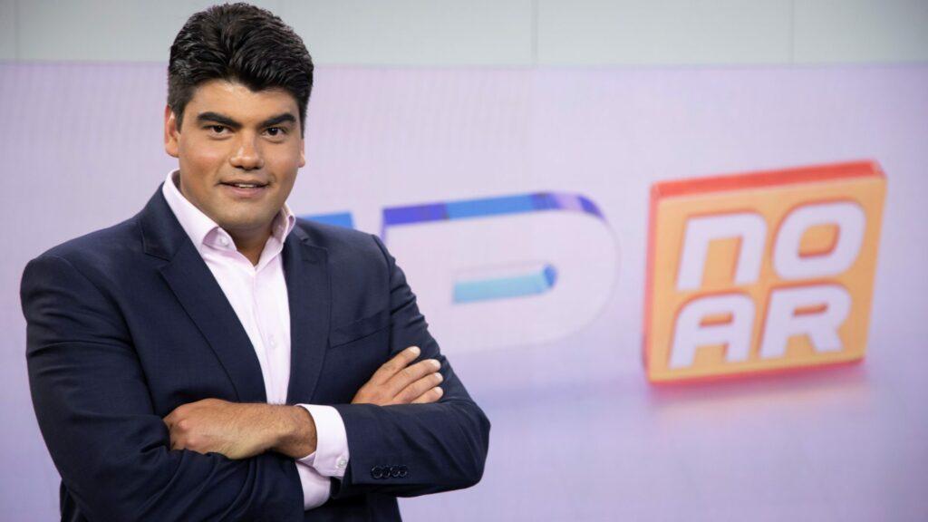 André Azeredo foi contratado como grande aposta e foi escanteado na reportagem da Record (foto: Divulgação/Record)
