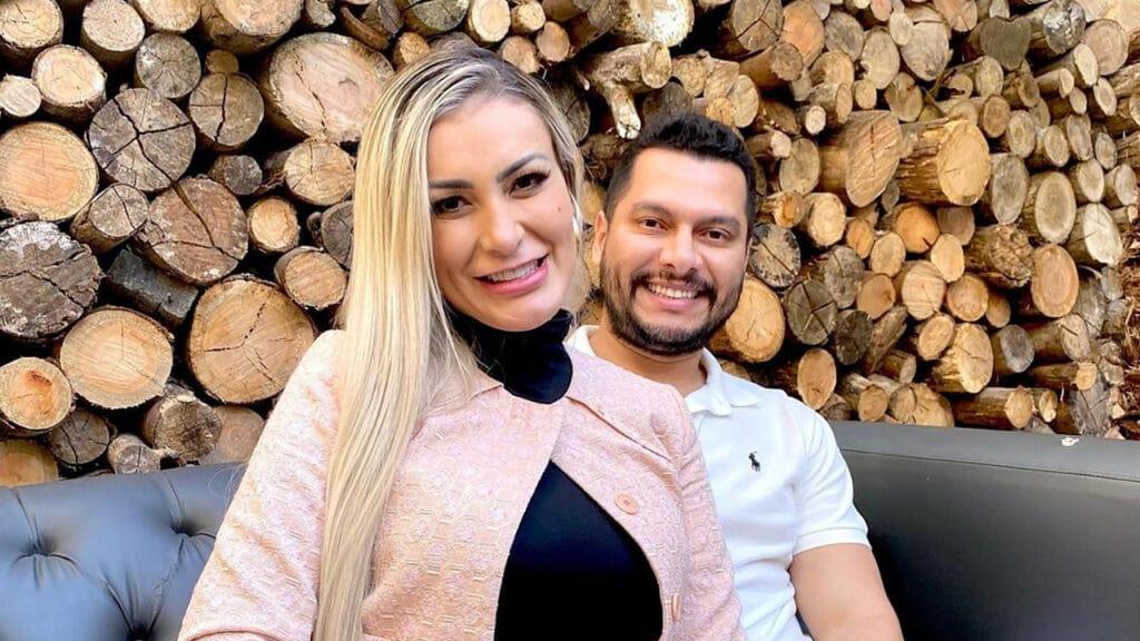 Andressa Urach diz que se sente feliz sendo submissa ao marido (foto: Reprodução)