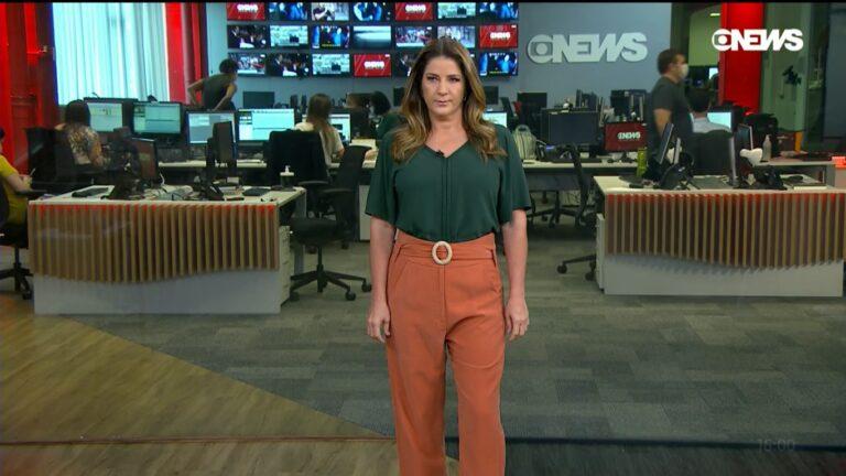 Christiane Pelajo surtou com colegas da Globo e abandonou estúdio de telejornal (foto: Reprodução/GloboNews)
