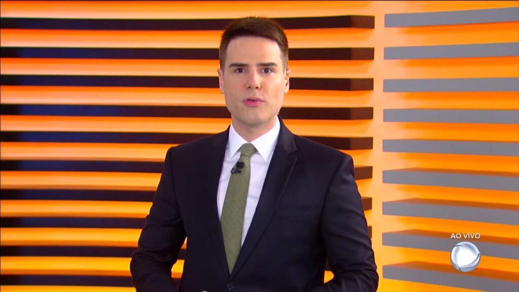 Luiz Bacci no Cidade Alerta: telejornal voltou a perder para novela mexicana do SBT (foto: Reprodução/SBT)