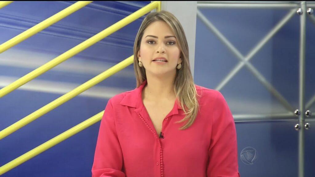 Nahyara Moura trocou o Jornal do Meio-Dia, da Record, pelo Bom Dia Mato Grosso, da Globo (foto: Reprodução/TV Vila Real)