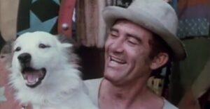 Renato Aragão em cena de Os Saltimbancos Trapalhões: filme foi aposta de Silvio Santos (foto: Reprodução/SBT)
