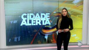 Silvye Alves é uma das principais apresentadoras da Record em Goiás (foto: Reprodução/Record)