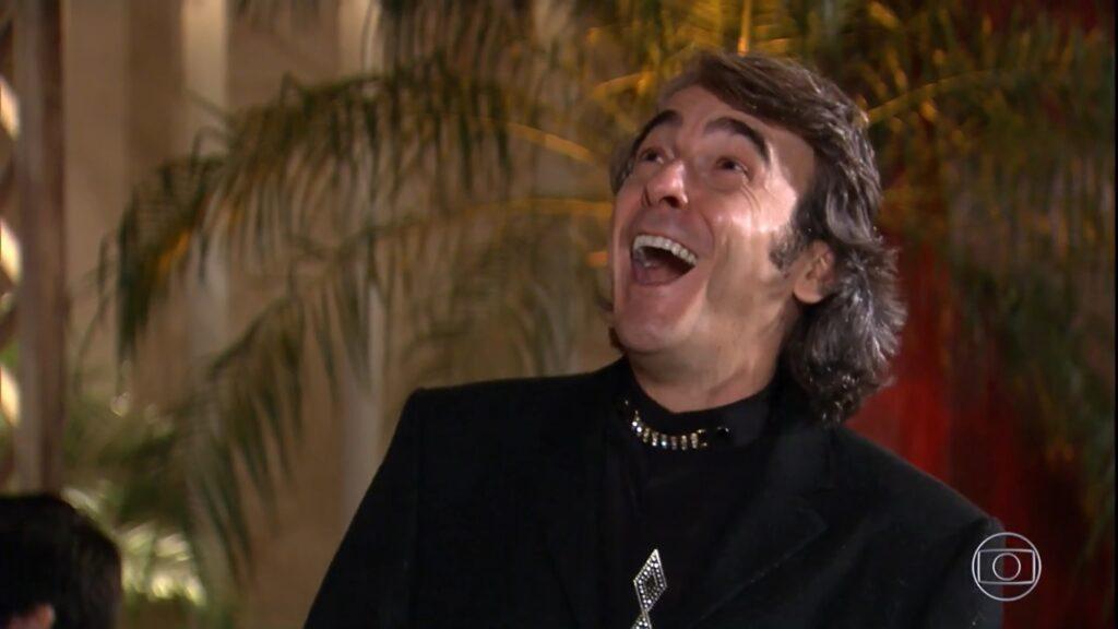 Ti Ti Ti chegou a perder a liderança de audiência para o Balanço Geral, da Record (foto: Reprodução/TV Globo)