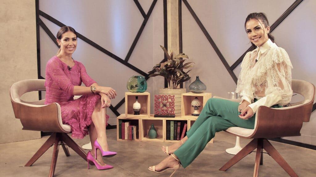 Daniela Albuquerque entrevista a influenciadora digital e nutricionista Bella Falconi (foto: RedeTV!/Divulgação)