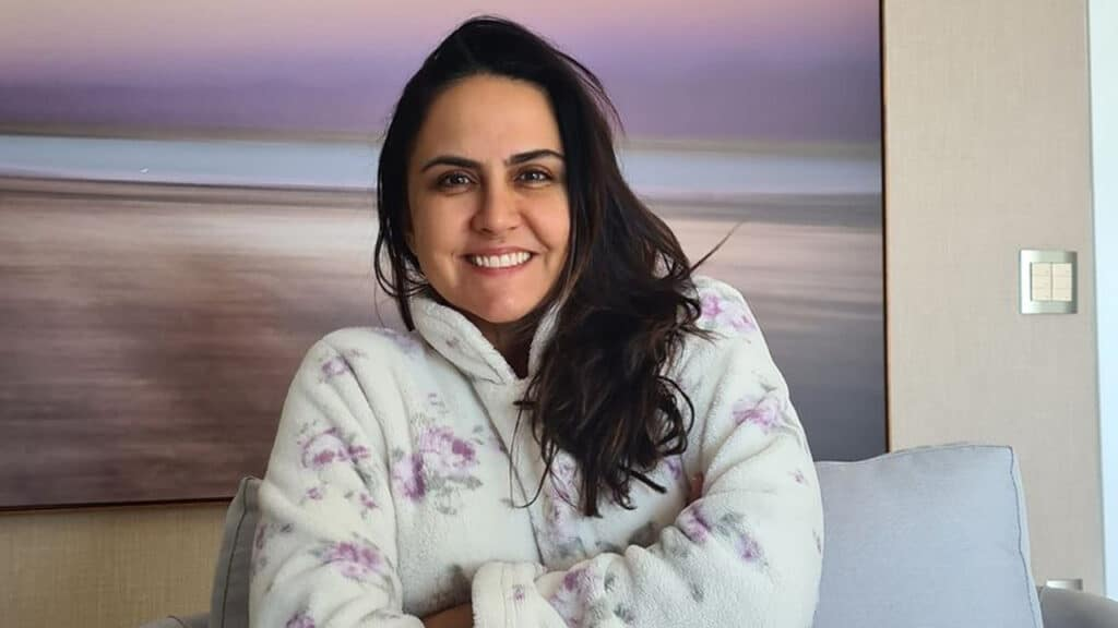 Apesar de ter apresentado o Fala Brasil por 12 anos, Carla Cecato afirma que não gosta de acordar cedo (foto: Reprodução/Instagram)