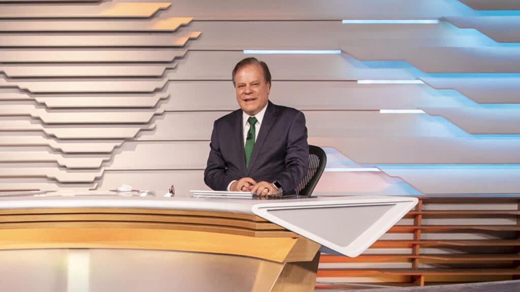 Chico Pinheiro está de volta aos trabalhos presenciais na Globo (foto: Globo/João Cotta)
