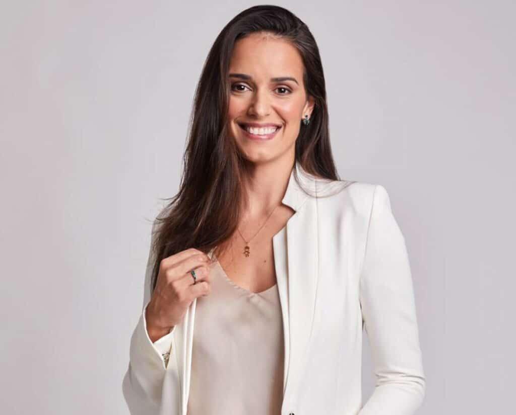 Livia Nepomuceno vai apresentar o Show do Esporte (foto: Divulgação/Band)