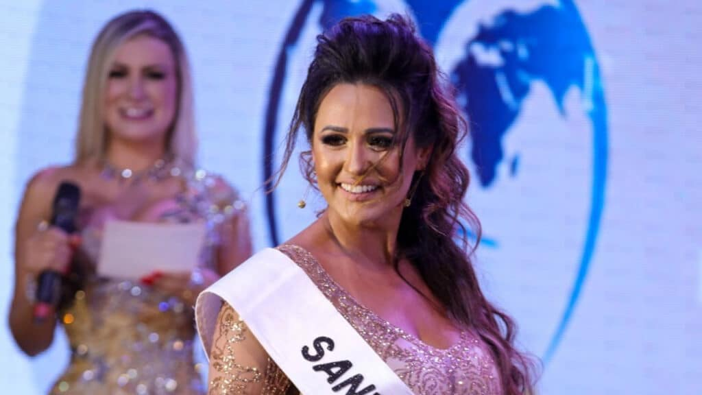 Suzana Simonet foi demitida pelo Itaú após participar do Miss Bumbum (foto: Divulgação)