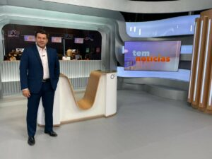 Daniel Schafer, apresentador do Tem Notícias Bauru (foto: Divulgação/TV Tem)