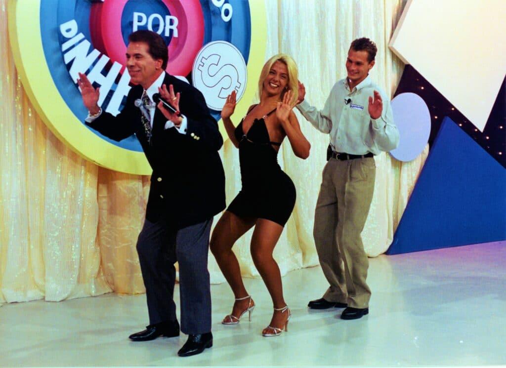 Silvio Santos aprende a dançar Segure o Tchan no Topa Tudo Por Dinheiro (foto: SBT/João Batista da Silva)
