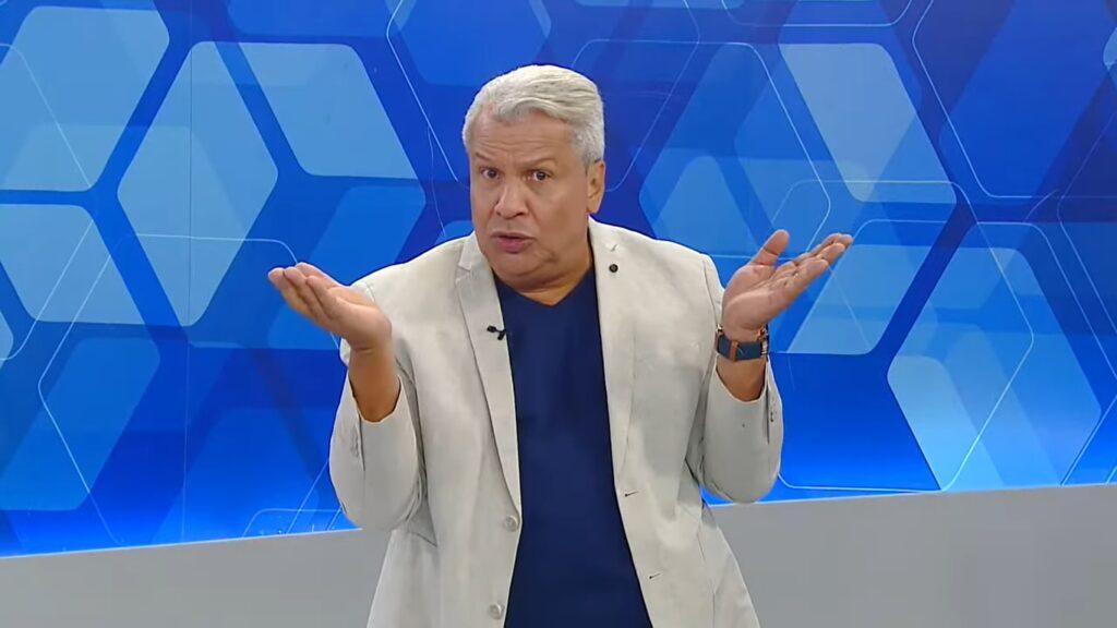 Sikêra Jr. foi promovido pela RedeTV! e pela TV A Crítica (foto: Reprodução/TV A Crítica)