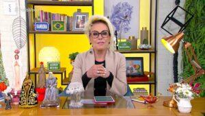 Ana Maria Braga pediu puxadinho em seu cenário e expulsou o Hora 1 de seu estúdio (foto: Reprodução/TV Globo)