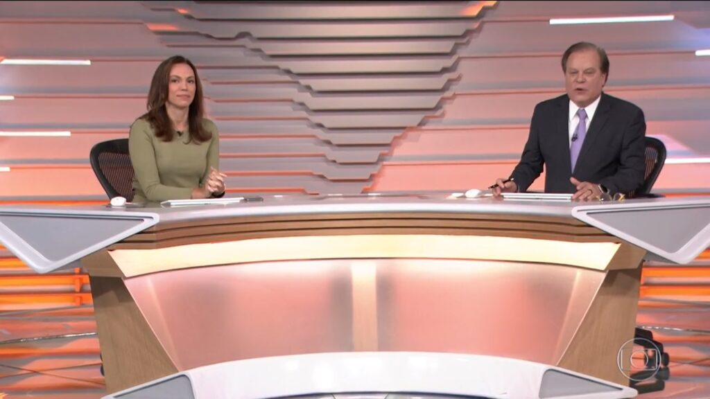 Ana Paula Araújo e Chico Pinheiro voltaram a dividir a apresentação do Bom dia Brasil depois de 15 meses (foto: Reprodução/TV Globo)