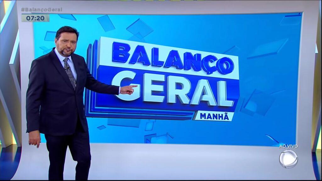 Geraldo Luís no Balanço Geral Manhã: beneficiado com ausência de telejornais da Globo (foto: Reprodução/Record)