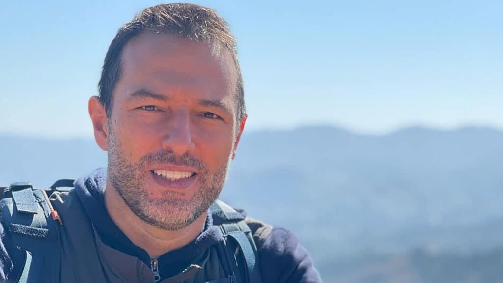 Maurício Ferraz, repórter da Globo, perdeu seis familiares para a Covid-19 (foto: Reprodução/Instagram)