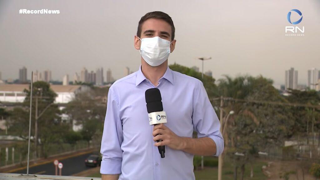 Pedro Salgado apresentará edições do Hora News durante a madrugada (foto: Reprodução/Record News)