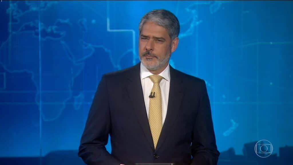 William Bonner tirou licença do Jornal Nacional para poder descansar (foto: Reprodução/TV Globo)