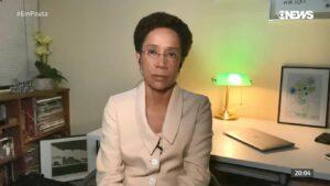 Zileide Silva emocionou colegas ao revelar ao vivo que teve câncer de mama (foto: Reprodução/GloboNews)